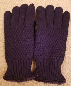 NWOT Isotoner Gloves in Black, One Size